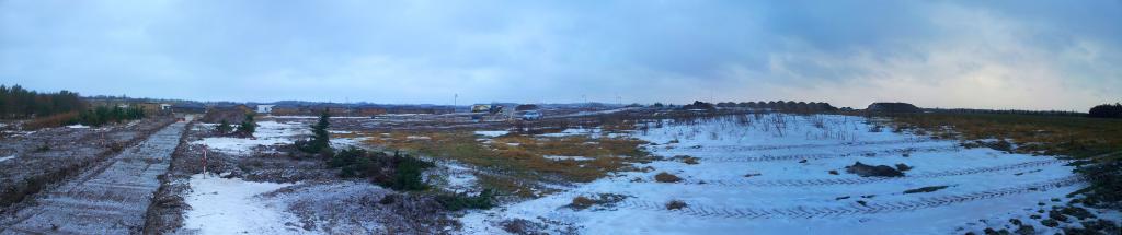 Panorama fra den sydøstlige skelpæl på grunden.