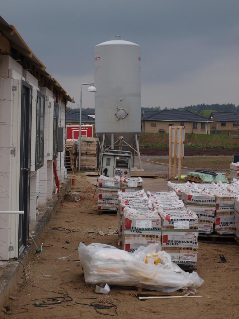 Kæmpe silo og masser af mursten - der er nok at gå i gang med for mureren
